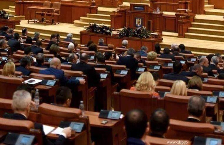 PSD și aliații săi din Parlament au votat majorarea pensiilor cu 40%. PNL contestă la CCR