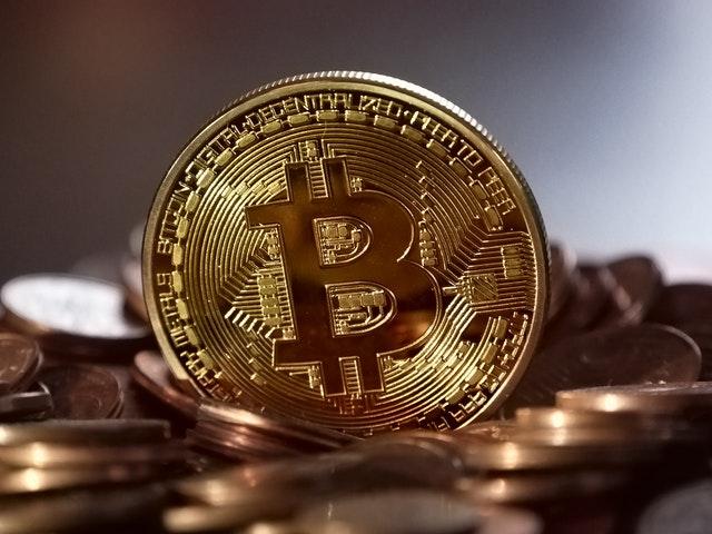 Bitcoin continuă prabușirea, vezi graficul