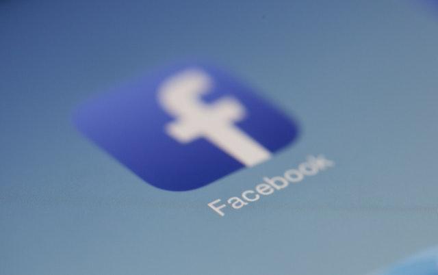 Decizie. Cont fals pe Facebook cu identitatea altei persoane= închisoare