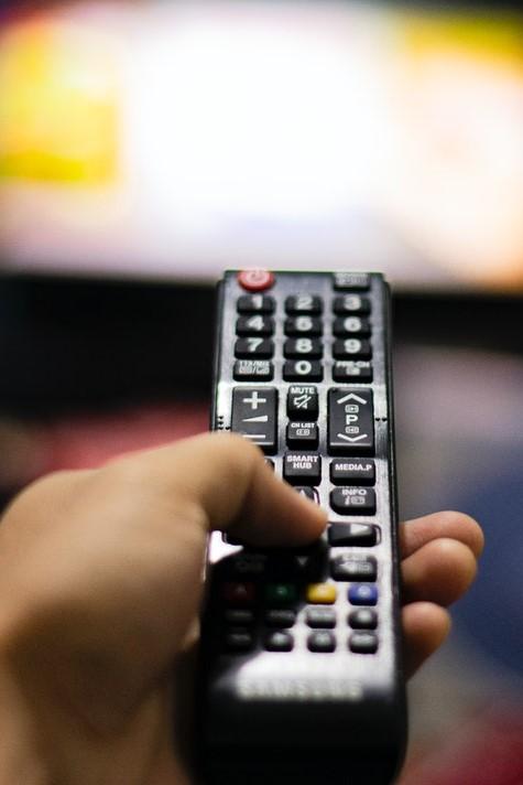 Proiect de lege cu protecție pentru politicienii care merg la TV
