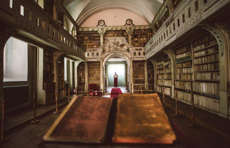 Biblioteca Batthyaneum, unde se află manuscrisul Codex Aureus, rămâne a statului român