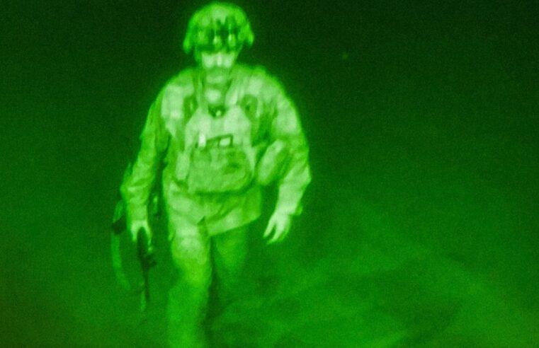 CNN: Imagine cu ultimul soldat american care a părăsit Afganistanul
