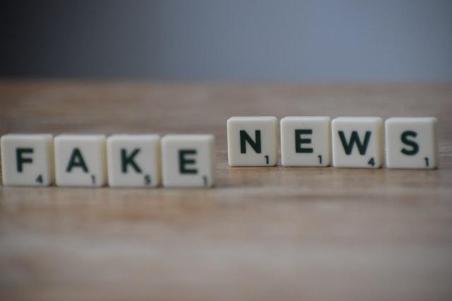 Studiu: Miliarde de dolari anual către site-uri conspiraţioniste şi de fake-news