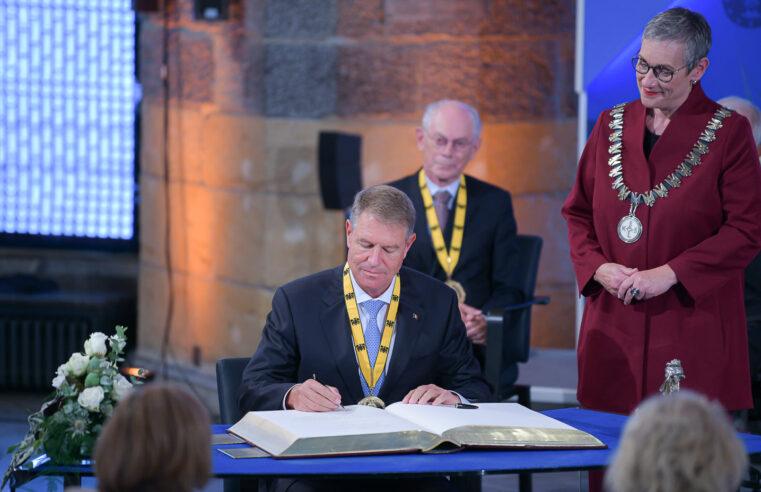 "Aachen. Klaus Iohannis, distrins cu premiul ""Carol cel Mare"""